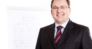 IT-Onlinemagazin Prof.Dr. Komus ©N. Bothur
